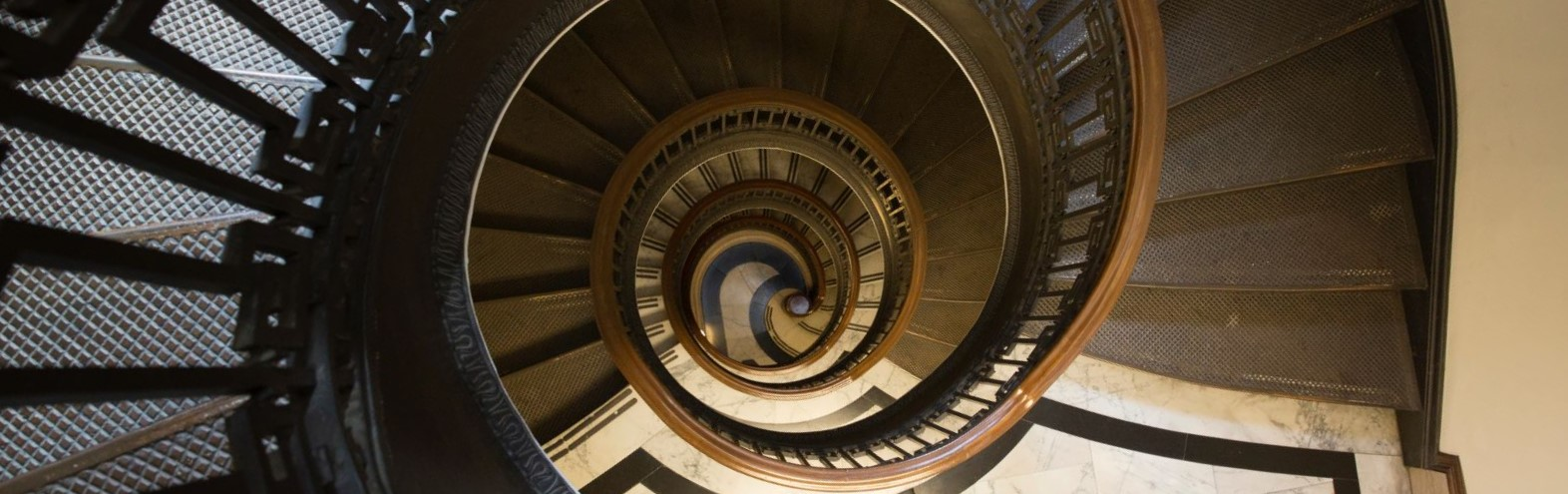 Coding Patterns: Staircase (DP)